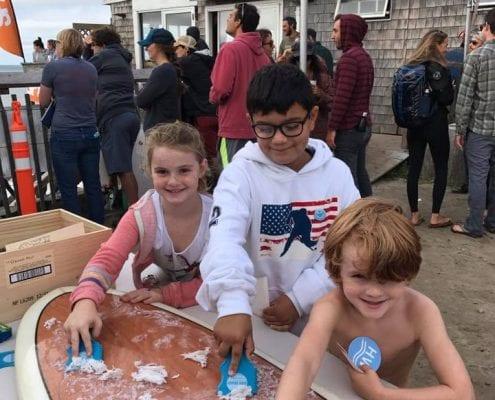 kids-using-waxbuddy